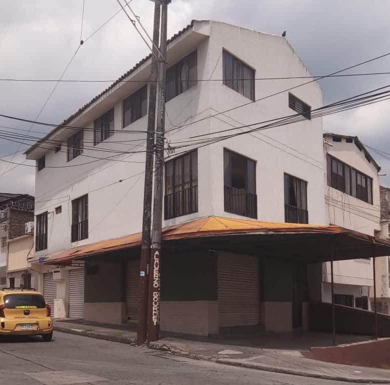 Venta Casa Esquinera Barrio Miraflores en Cali, Colombia
